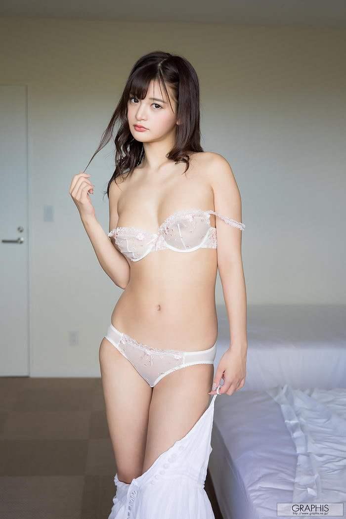 GRAPHIS ランジェリー 新名あみん/Amin Niina